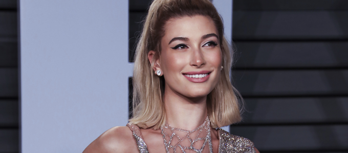 FOTOS: Hailey Baldwin comparece a after-party do Oscars em Los Angeles