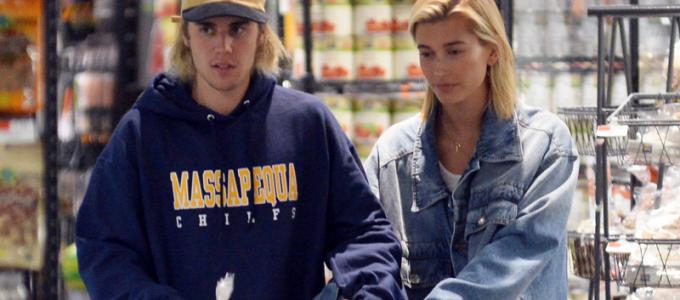 FOTOS: Hailey Baldwin e Justin Bieber no supermercado Whole Foods em Manhattan