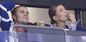 FOTOS & VÍDEOS: Hailey Baldwin e Justin Bieber assistem jogo do Toronto Maple Leafs na Scotiabank Arena