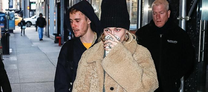 FOTOS & VÍDEOS: Hailey Baldwin vai ao terapeuta com Justin Bieber e Carl Lentz em Nova York