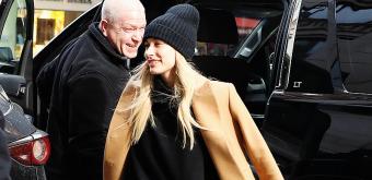 FOTOS: Hailey Baldwin faz compras e vai à igreja em Nova Iorque