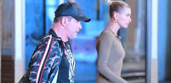 FOTOS: Hailey Bieber é vista no restaurante Nobu com seu pai, Stephen Baldwin