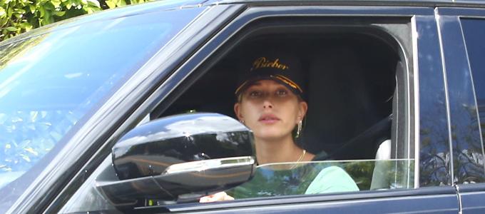 FOTOS: Hailey Bieber é vista deixando uma academia em Los Angeles