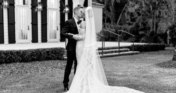 Hailey e Justin Bieber se casam em cerimônia religiosa na Carolina do Sul